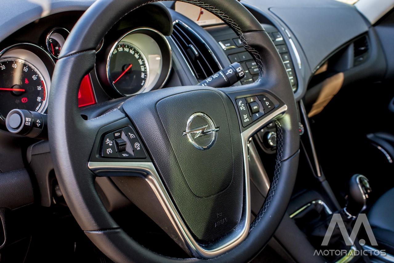 Prueba: Opel Zafira Tourer Turbo 200 CV (equipamiento, comportamiento, conclusión) 7