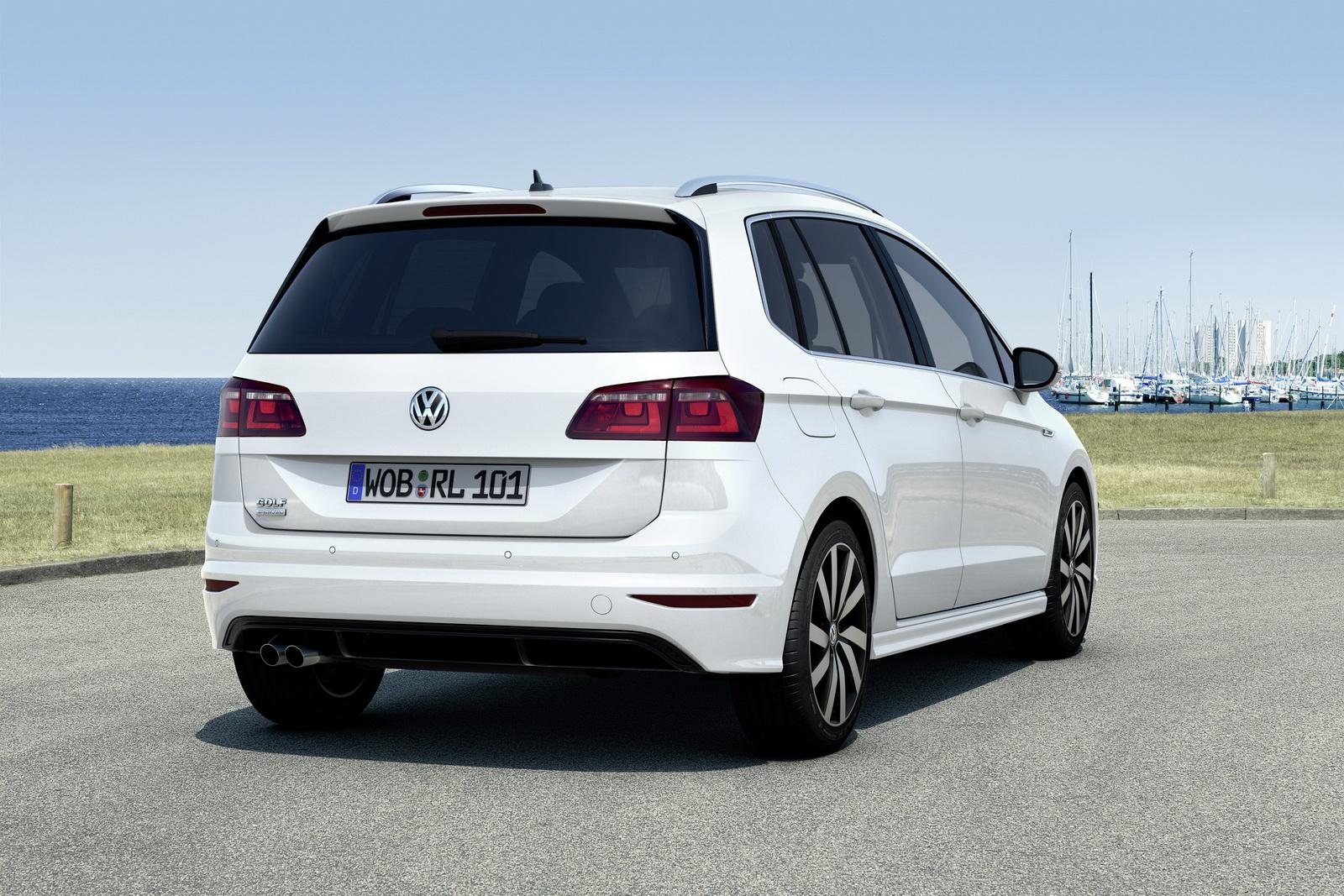 2015-VWGOLFSportsvan-02