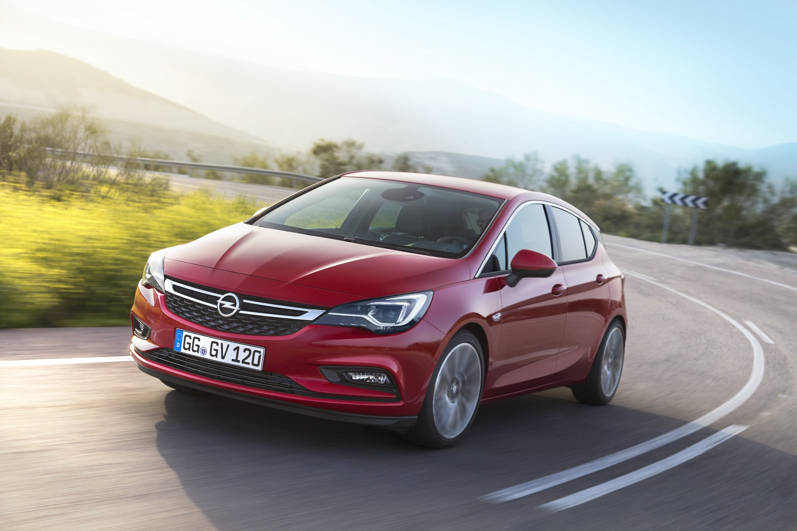 2017-opel-astra-opc-will-use-a-smaller-16-liter-turbo-engine_2