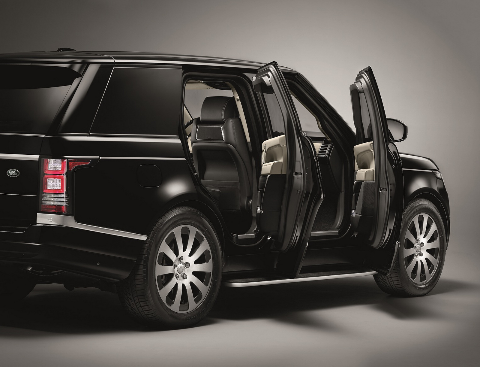 Range-Rover-Sentinel-3