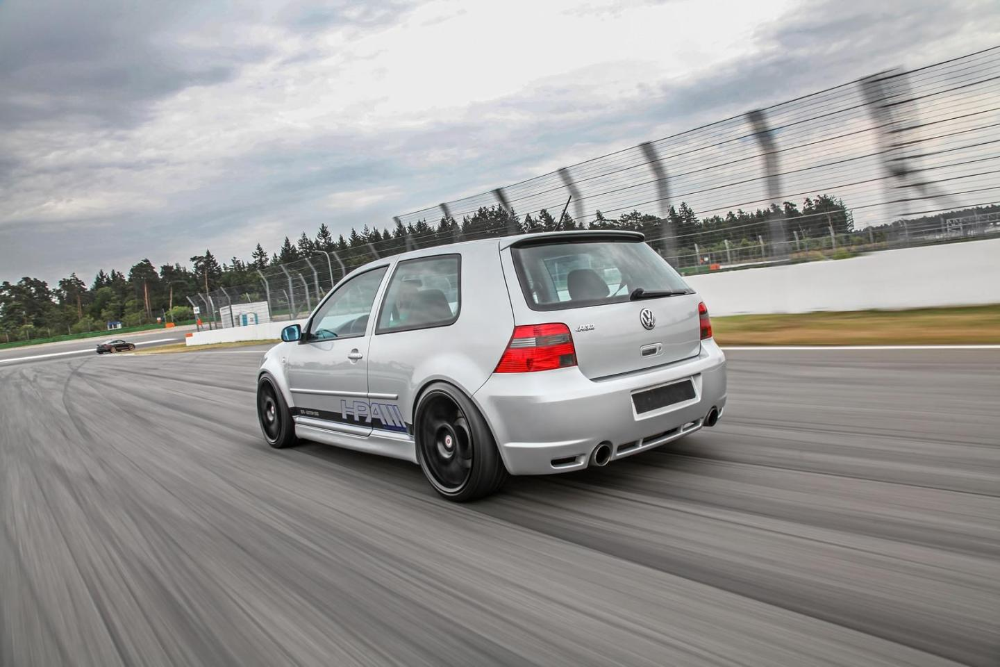 Vw_Golf_IV_R32_HPerformance_2