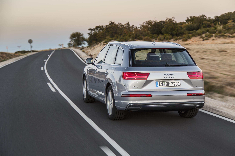 Audi-Q7-e-tron-quattro_04