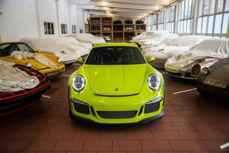 Porsche-911-GT3-RS-11