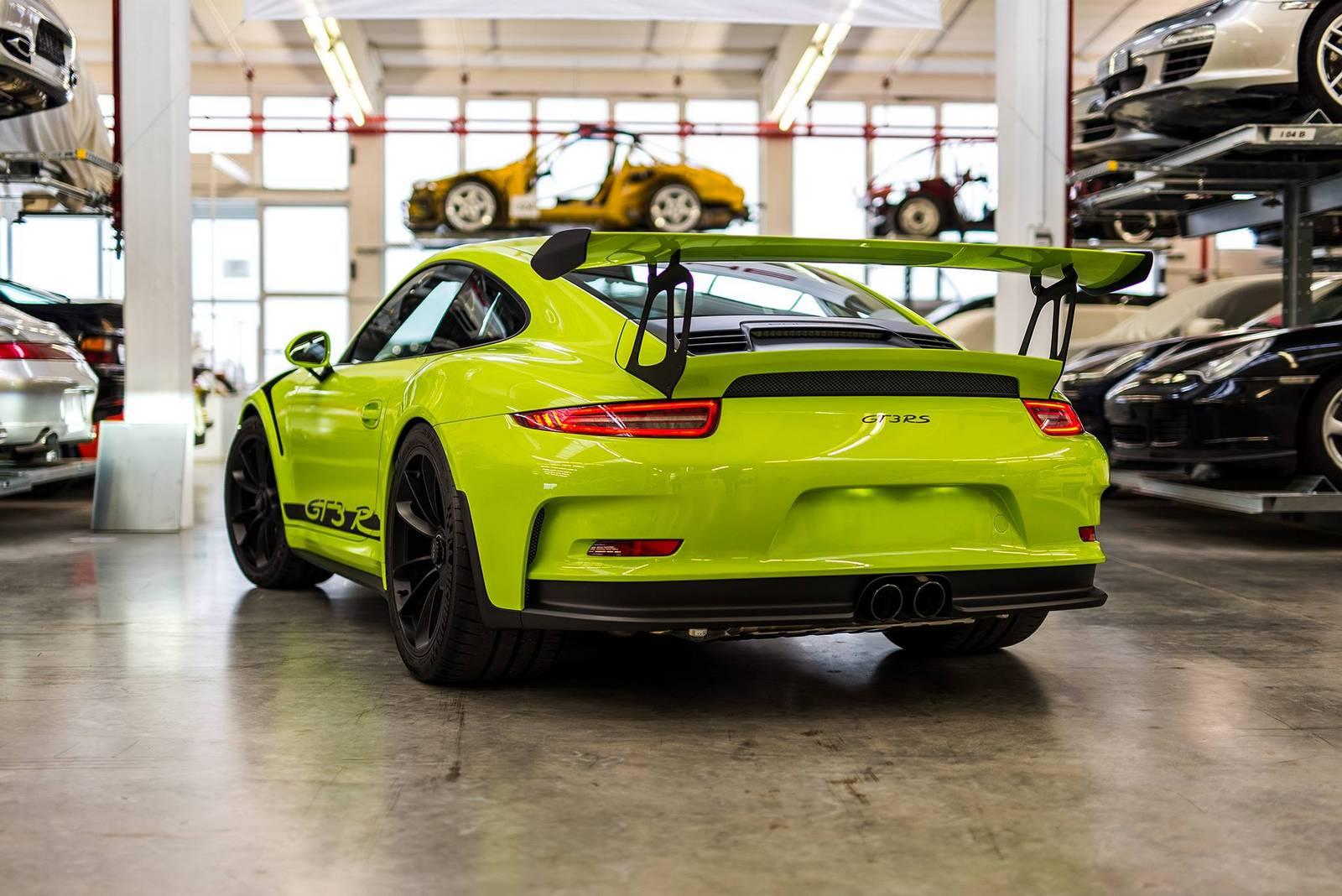 Este 911 GT3 RS ha sido retocado por Porsche Exclusive y luce así de bien 1