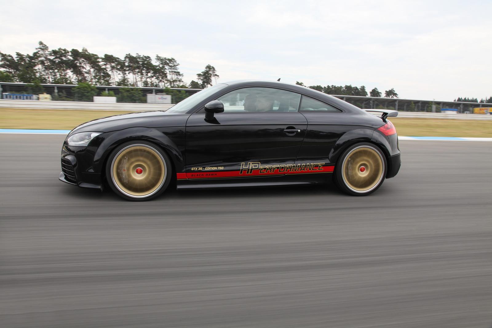 Este Audi TT RS de 750 CV te arrancará todas las pegatinas 1