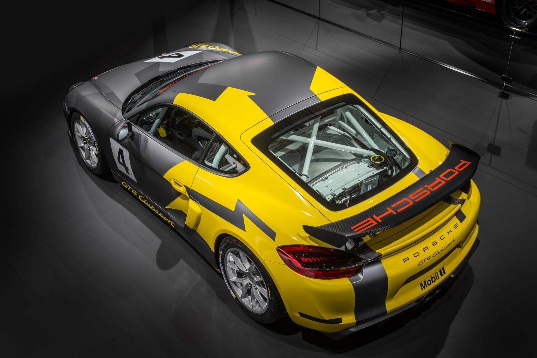 Porsche Cayman GT4 Clubsport: Nacido para la pista 1