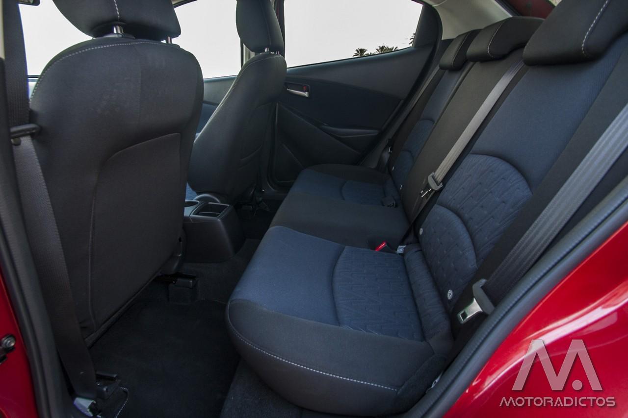 Prueba: Mazda 2 SkyActiv-G 75 CV Style+ (diseño, habitáculo, mecánica) 7