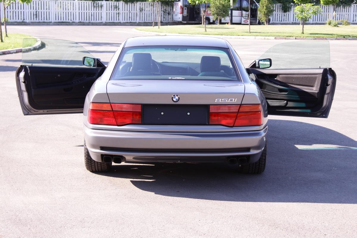¿Quieres un BMW 850i con 1.790 kilómetros? Esta puede ser tu oportunidad... 2