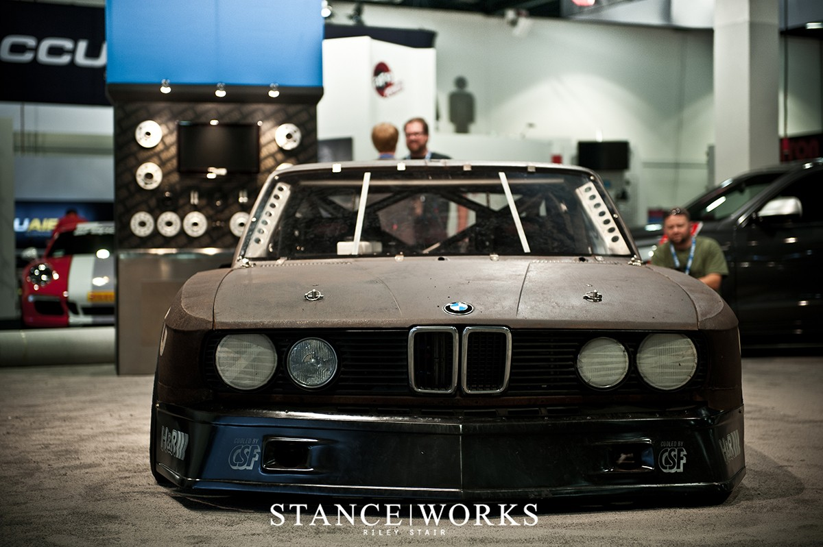 this-rusty-old-bmw-e28-5-series-is-actually-a-race-car-photo-gallery_1