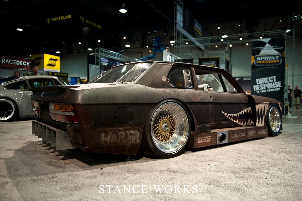 this-rusty-old-bmw-e28-5-series-is-actually-a-race-car-photo-gallery_3