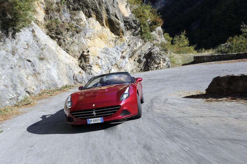 Ferrari llama a 185 unidades del California T a revisión 2