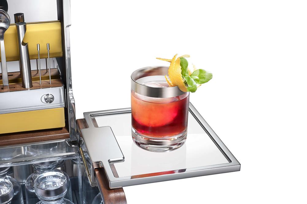 Sólo 31.000 euros: El kit de cócteles para tu Rolls-Royce 3