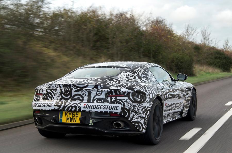 Aston Martin nos desvela las primeras imágenes del DB11: Aún en estado de gestación 2