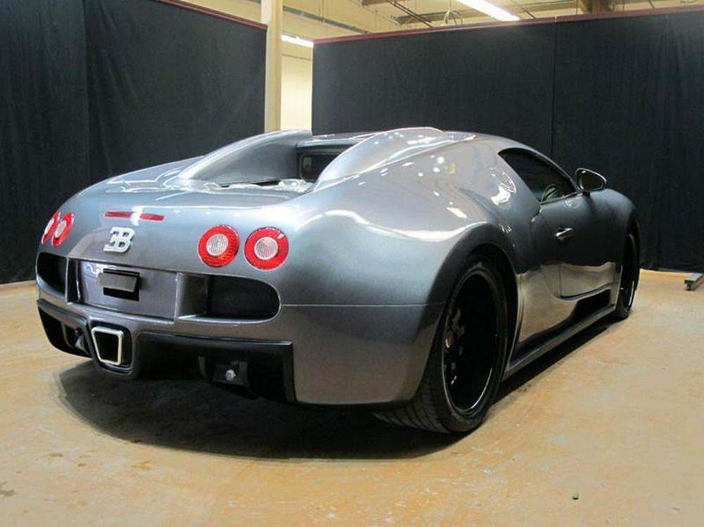 Cuando no te llega para el modelo original: Réplica de Bugatti Veyron por 75.000 euros 2