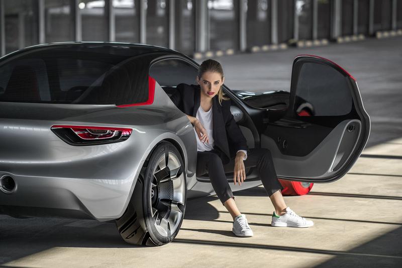 Opel GT Concept, primeras imágenes oficiales 3