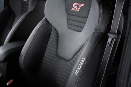 Ford-Fiesta-ST200-7