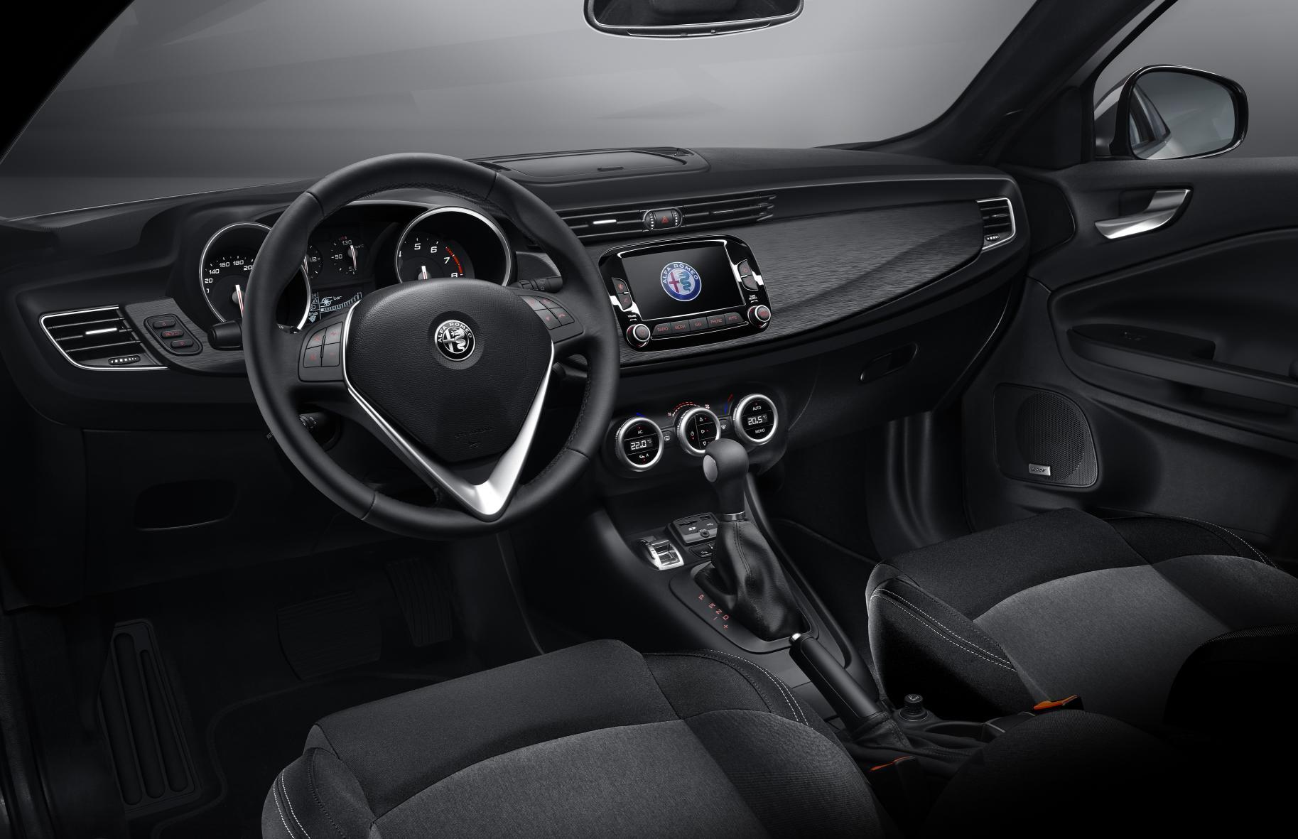 Alfa Romeo Giulietta 2016: Modificaciones estéticas leves y de equipamiento. ¿Qué hay de nuevo? 4