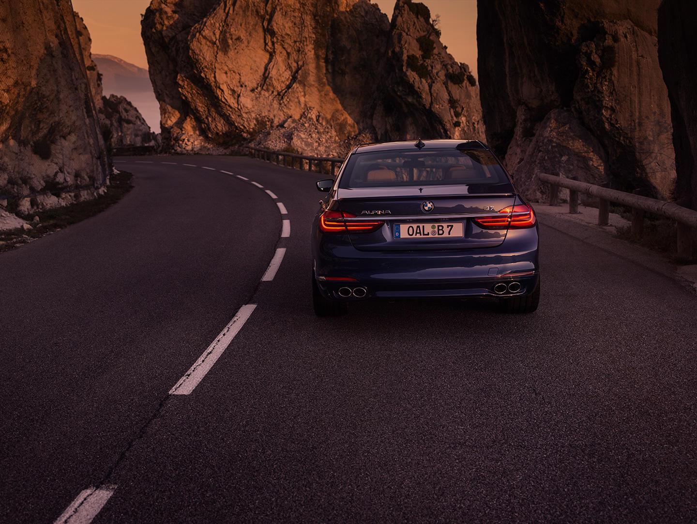 BMW Alpina B7 xDrive: Con 600 CV no es el M7, pero... se le parece 2