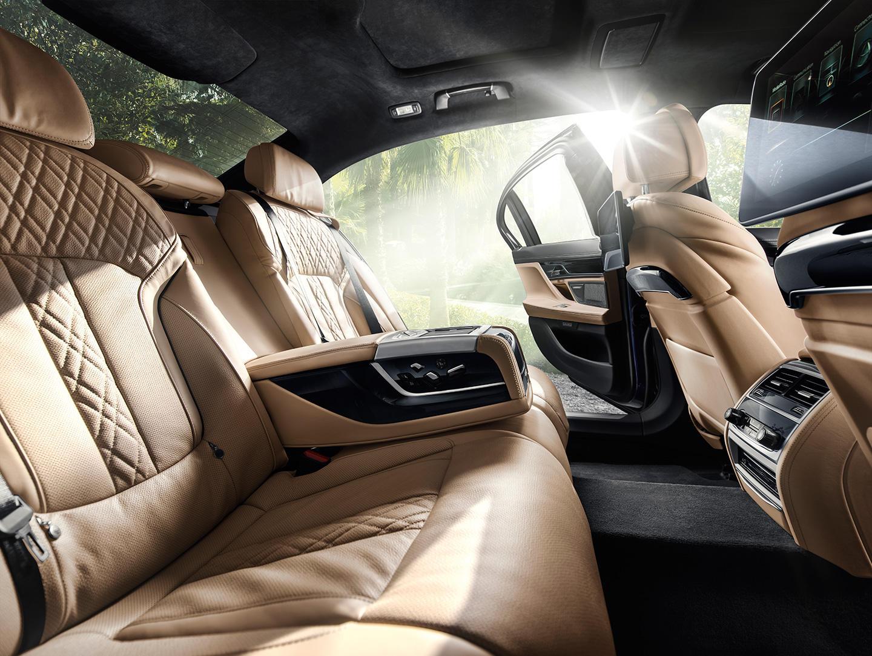 BMW Alpina B7 xDrive: Con 600 CV no es el M7, pero... se le parece 3