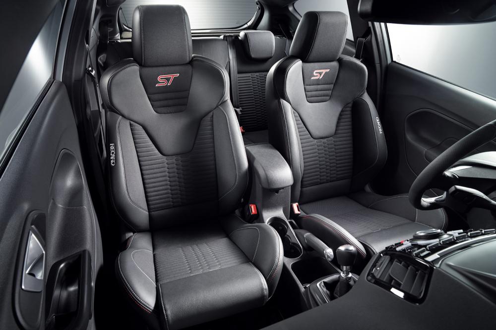 Ford Fiesta ST200: Uno de los hothatch más radicales recibe 18 CV extra y cambios estéticos 3