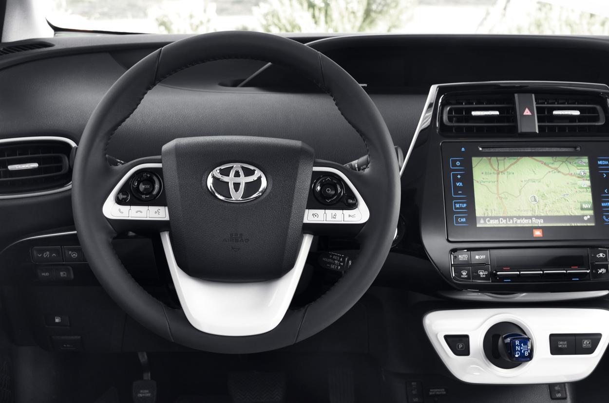 Toyota Prius 2016: Desde 29.900 euros en España, con un único acabado 3