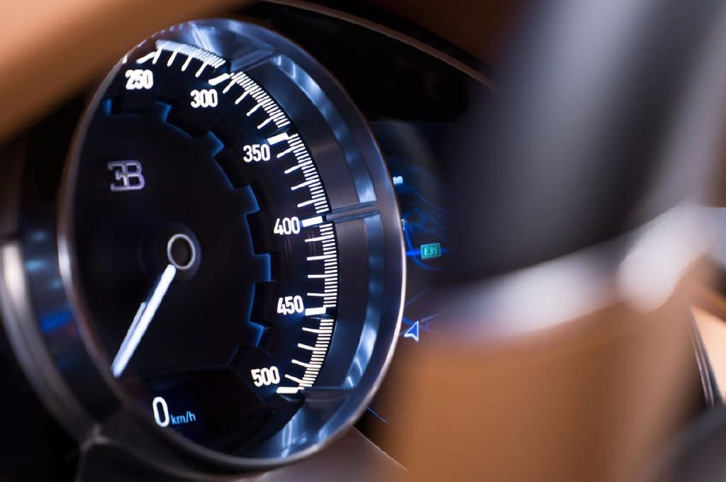 ¡Ya está aquí! Bugatti Chiron: 1500 CV, 16 cilindros y sólo 2,2 segundos para alcanzar los 100 km/h 4