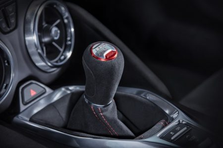 2017-Chevrolet-Camaro-ZL1-11