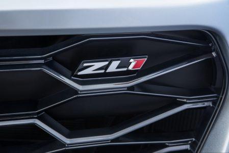 2017-Chevrolet-Camaro-ZL1-6