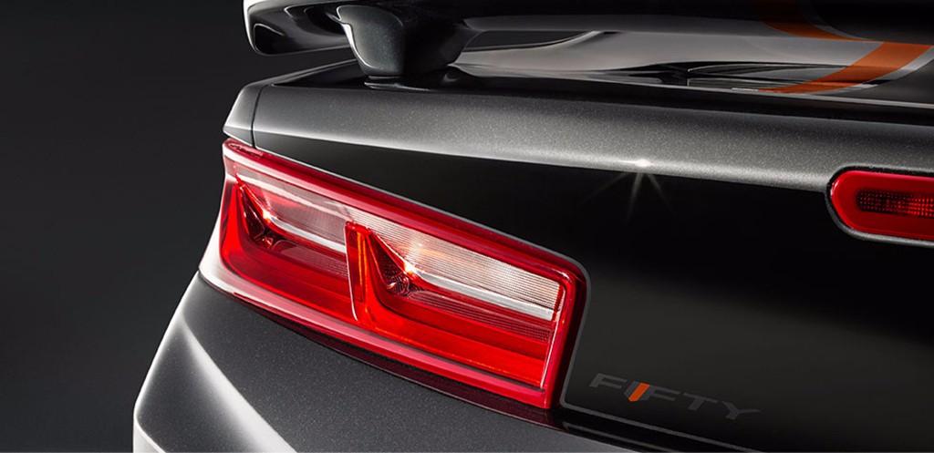 Chevrolet Camaro 50th Anniversary Edition: Cumpliendo años con un aspecto envidiable 2