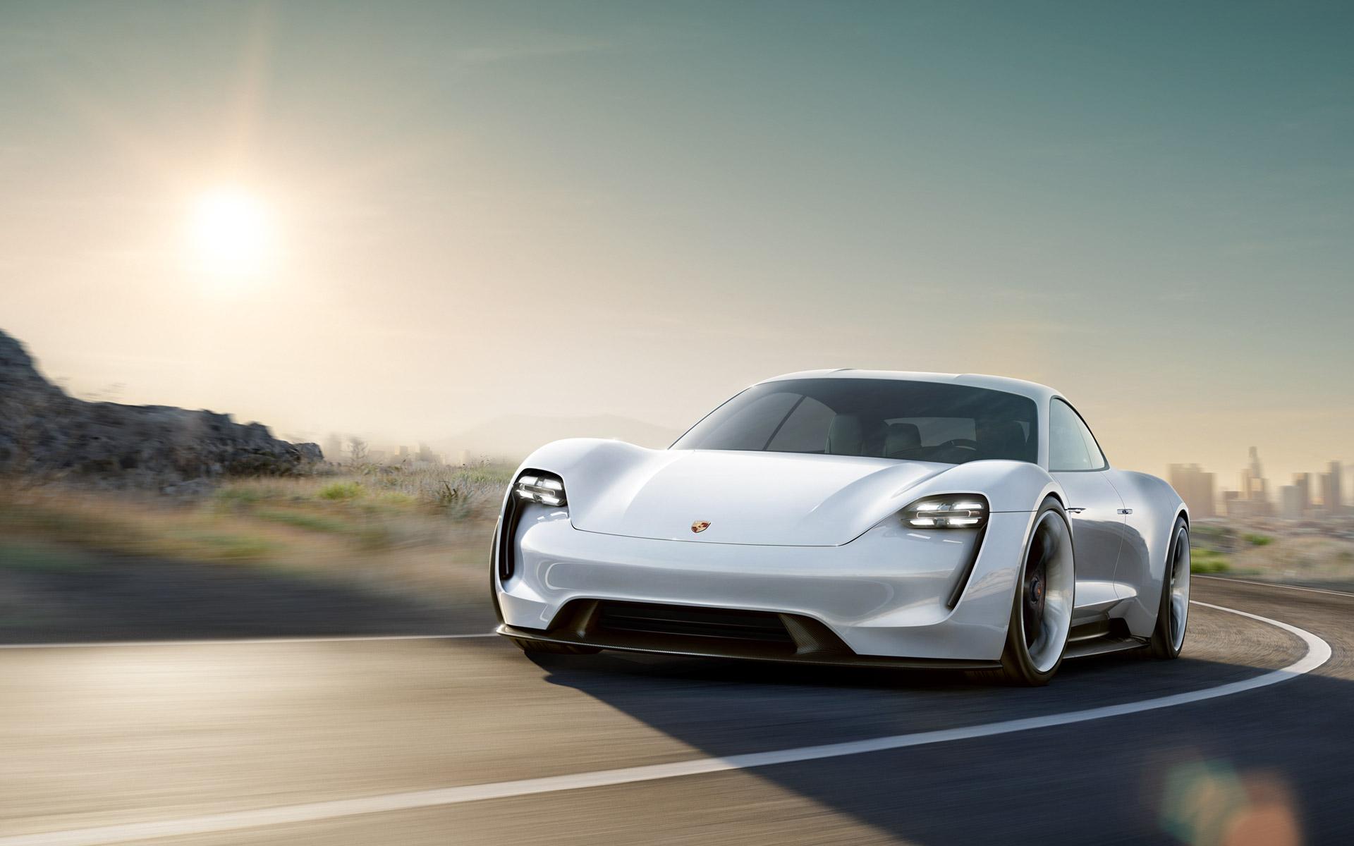 El Porsche Mission E continúa adelante: cifras de auténtico deportivo