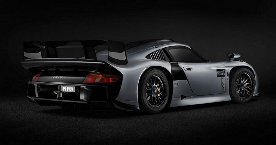 ¿Estarías dispuesto a pagar 3 millones de euros por un Porsche 911 GT1 homologado para calle? 1