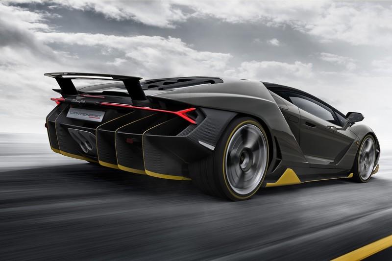 Lamborghini Centenario, fibra de carbono y 770 caballos para celebrar la historia del toro italiano 2