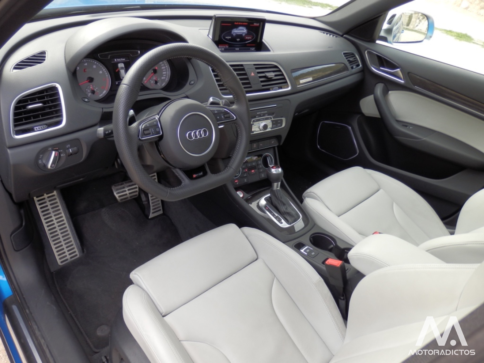 Prueba: Audi RS Q3 2.5 TFSI 340 CV (diseño, habitáculo, mecánica) 15