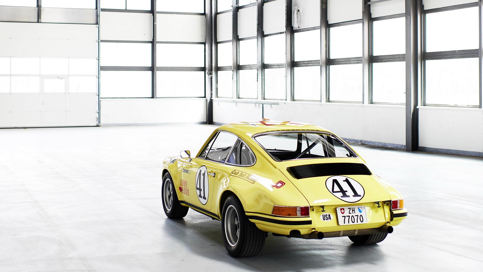 Así estaba este Porsche 911 2.5 S/T y así está ahora tras su restauración 1