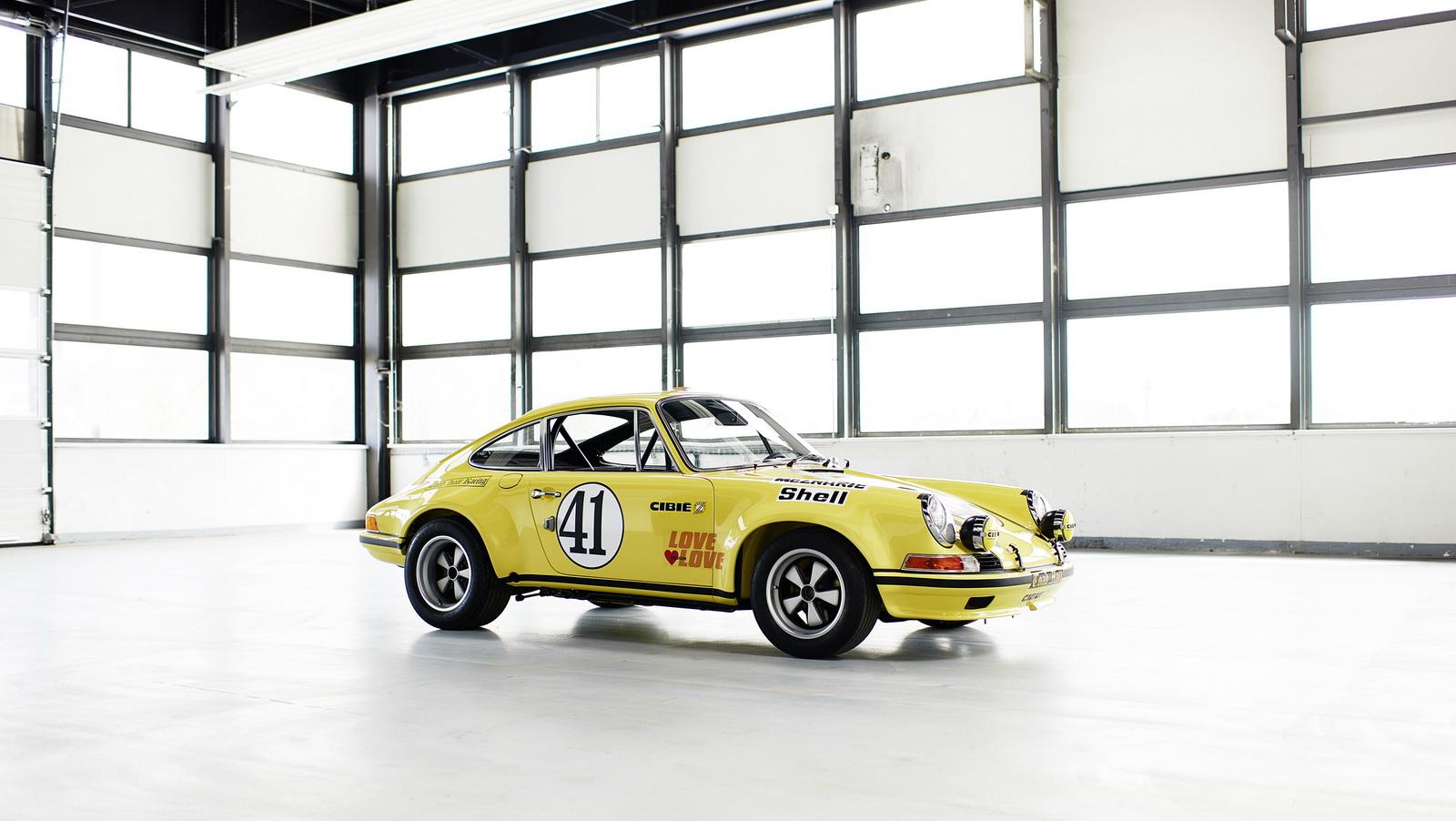 Así estaba este Porsche 911 2.5 S/T y así está ahora tras su restauración 3