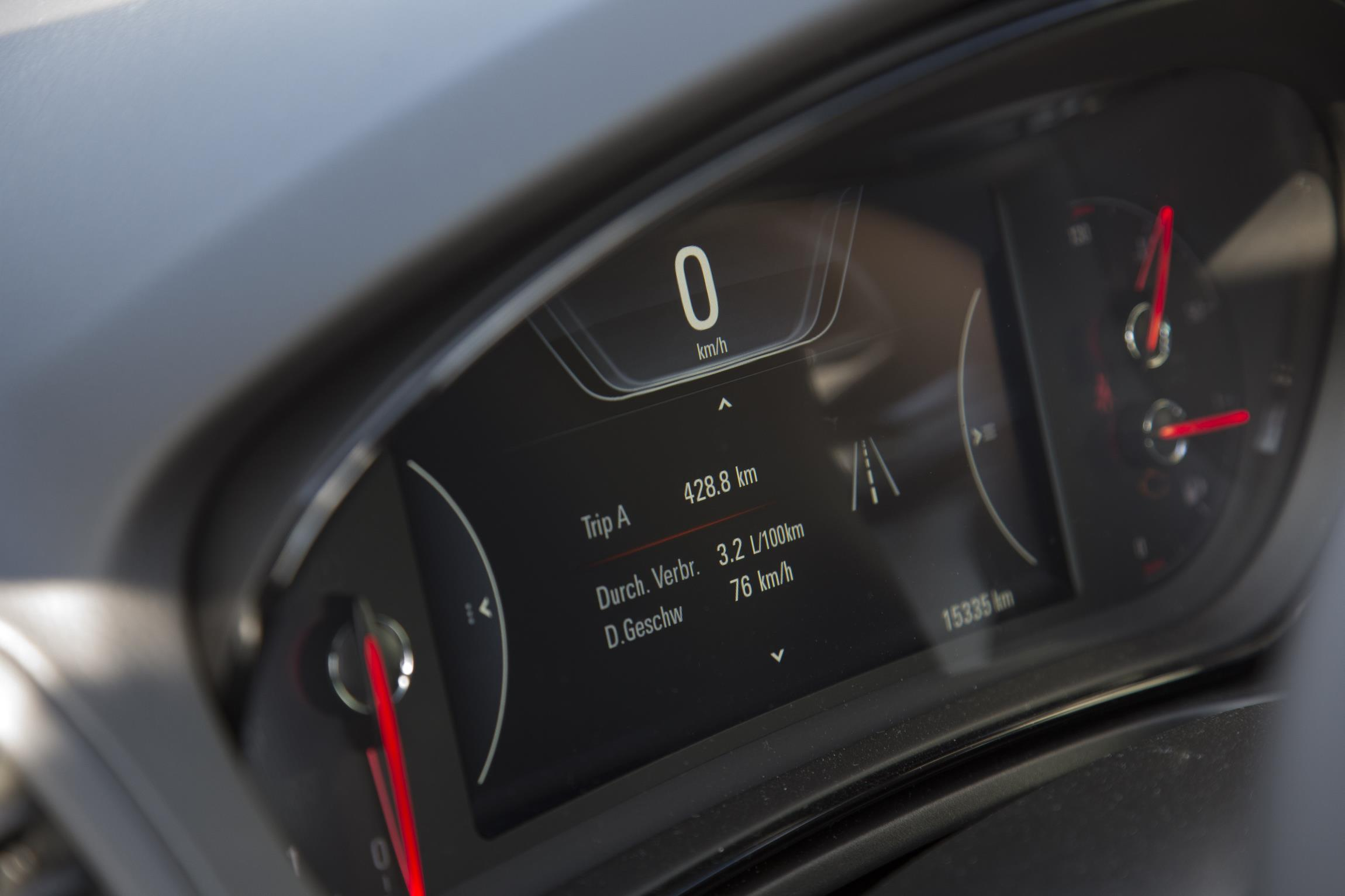 ¡Récord! Un Opel Insignia 1.6 CDTI hace 2.111 kilómetros sin repostar 1