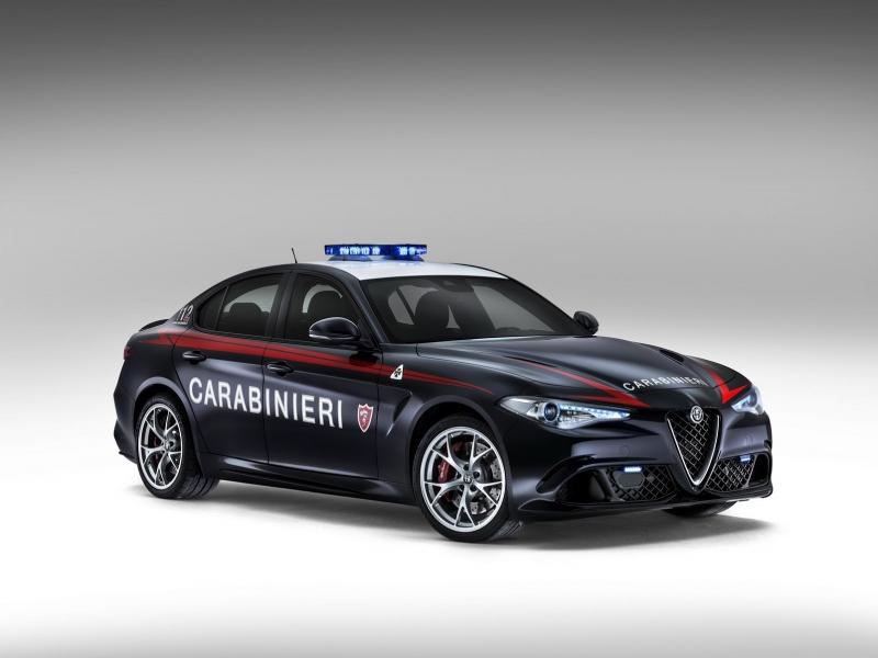 Alfa-Romeo-Giulia-QV0Police-4