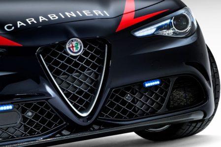 Alfa-Romeo-Giulia-QV0Police-9
