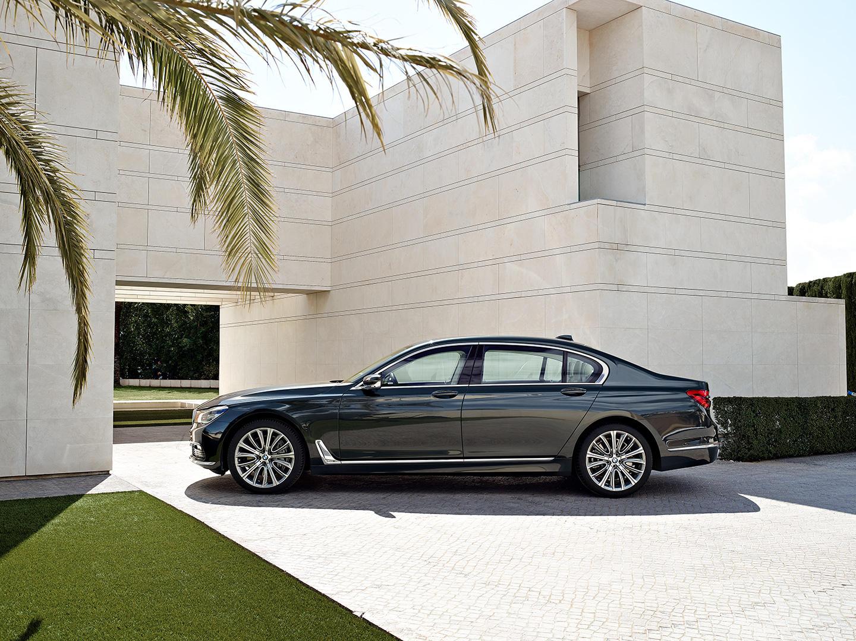 Ahora sí: BMW introduce el 750d, el diésel con cuatro turbos 3