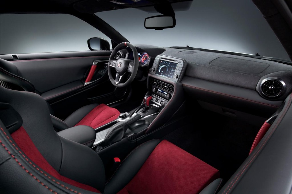 Nissan GT-R NISMO 2017: El margen de mejora todavía existía y llega con 600 CV 1