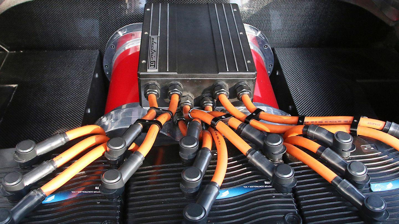 Un Ferrari 308 GTS que fue pasto de las llamas y vuelve en forma de eléctrico 1