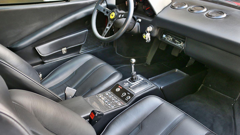 Un Ferrari 308 GTS que fue pasto de las llamas y vuelve en forma de eléctrico 3