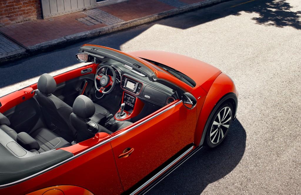 Volkswagen Beetle y Beetle Cabriolet 2017: Cambios estéticos para ganar presencia 4