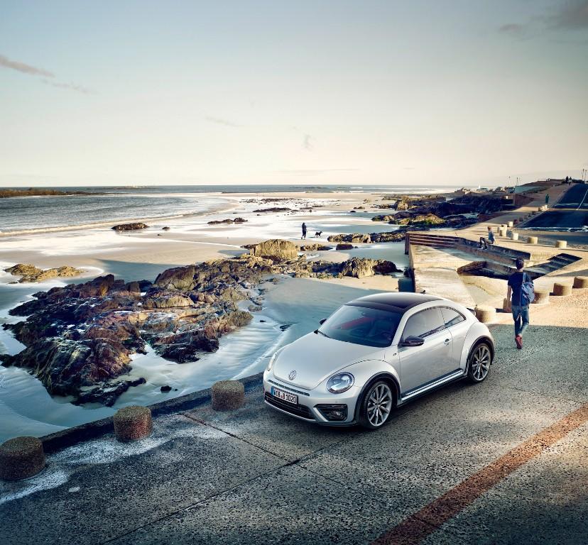 Volkswagen Beetle y Beetle Cabriolet 2017: Cambios estéticos para ganar presencia 5