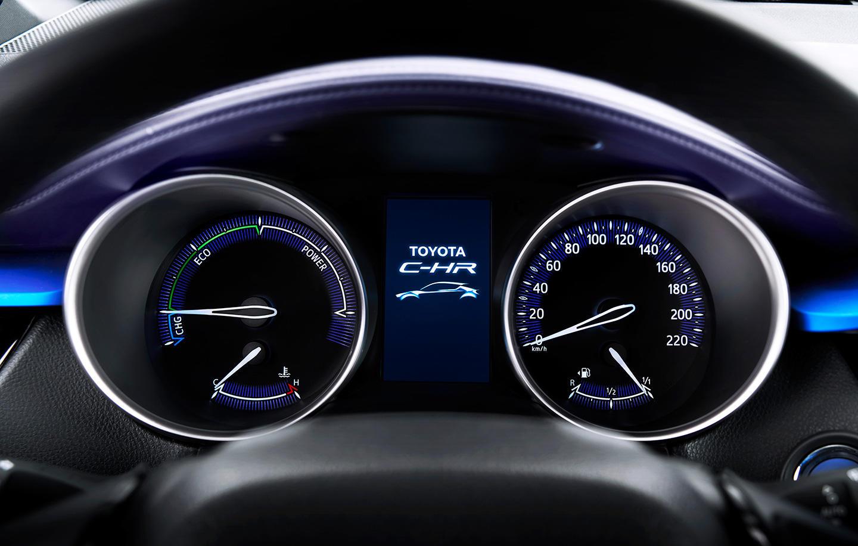 Así es el interior del crossover Toyota C-HR: Una disposición atrevida 5