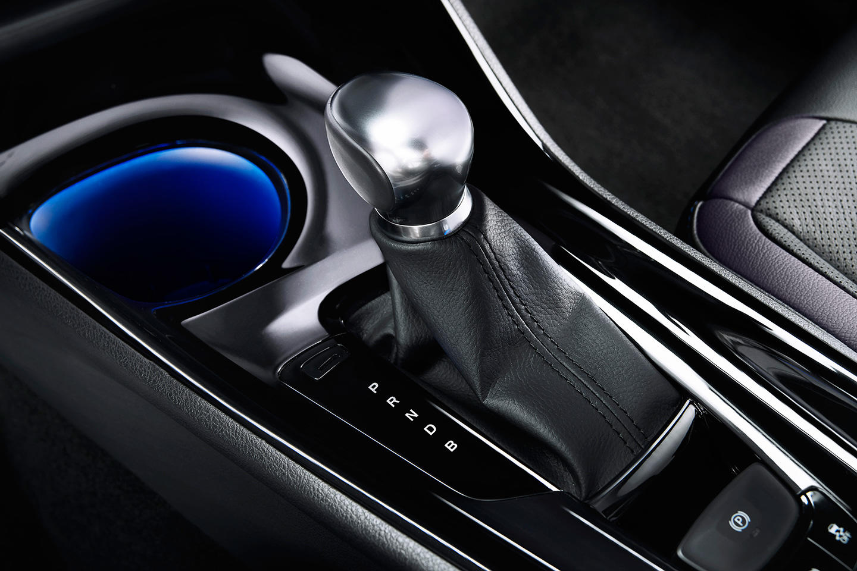 Así es el interior del crossover Toyota C-HR: Una disposición atrevida 8
