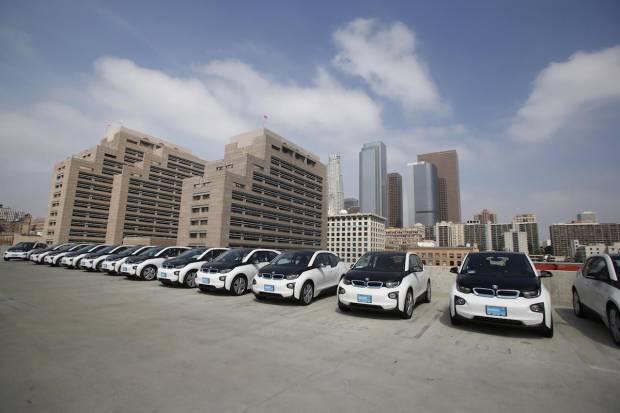 BMW suministra 100 i3 a la policía de Los Ángeles: La firma bávara la gana la batalla al Model S 3