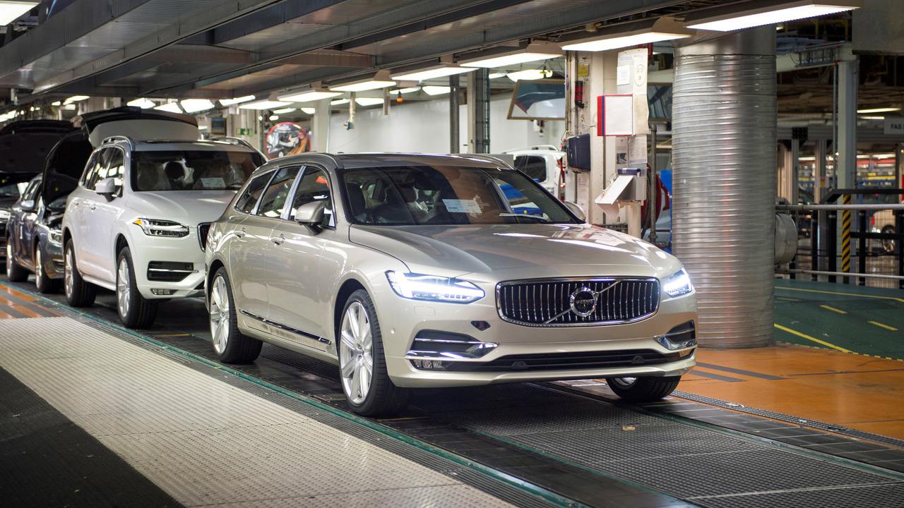 El primer Volvo V90 sale de fábrica 1