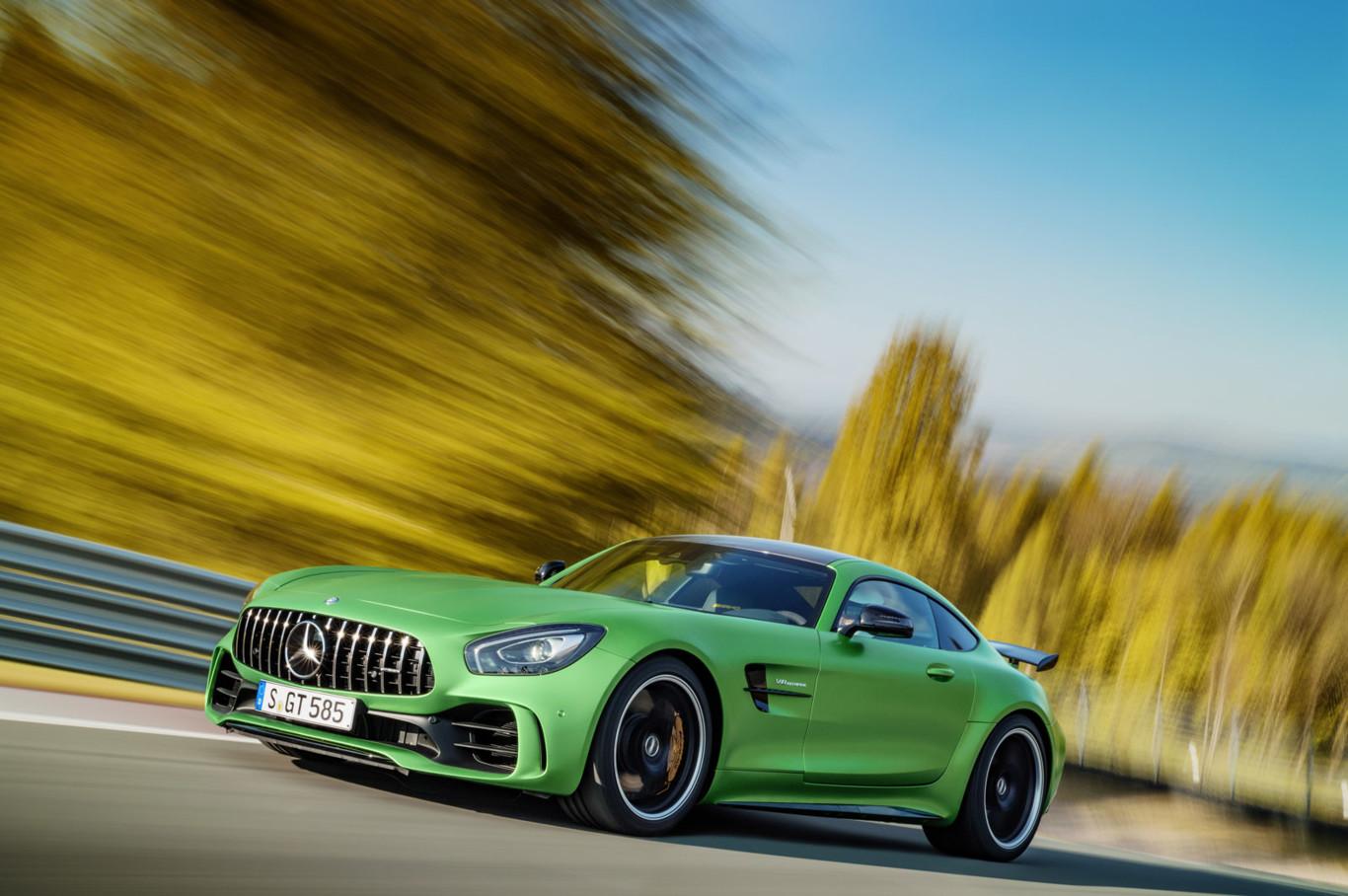 Mercedes-AMG GT R: 90 kilos menos que el AMG GT S y 577 CV de potencia 4