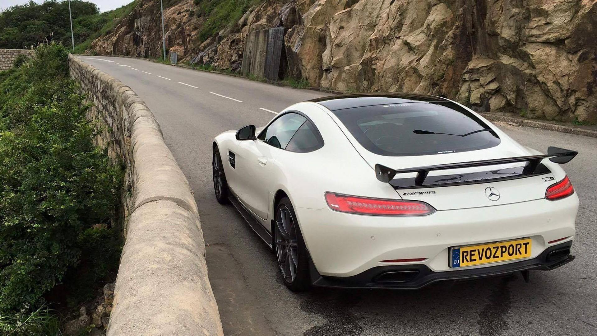 RevoZport le añade un toque picante a tu AMG GT S y lo deja en 659 CV 16